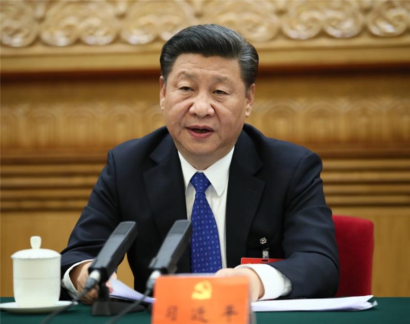 10月17日,中国共产党第十九次全国代表大会主席团在北京人民大会堂举行第一次会议。习近平同志出席会议并作重要讲话。