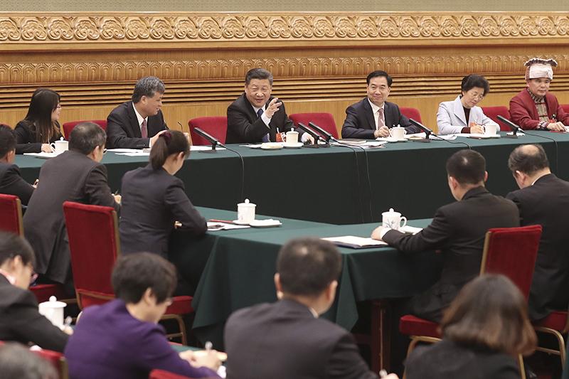 3月7日,习近平参加十三届全国人大一次会议广东代表团的审议。(图片来源:新华社)