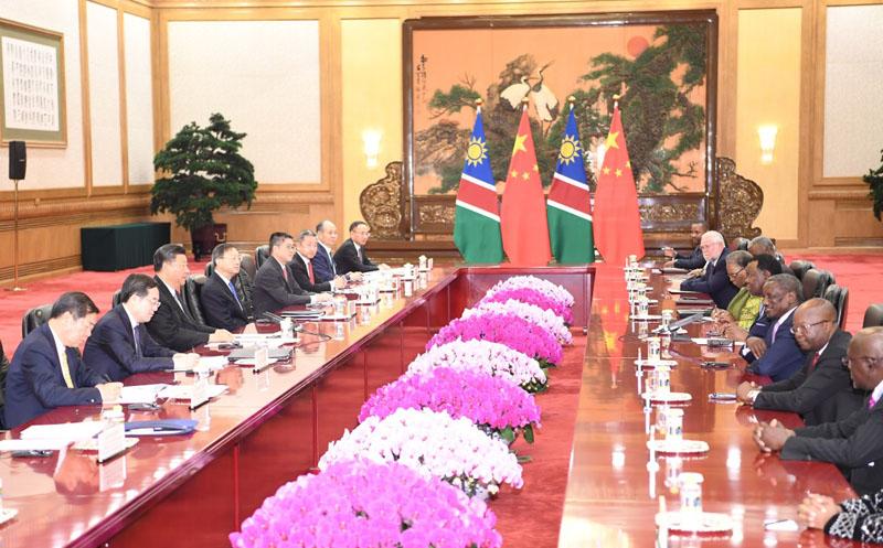 9月2日,国家主席习近平在北京人民大会堂会见纳米比亚总统根哥布。新华社记者 燕雁 摄