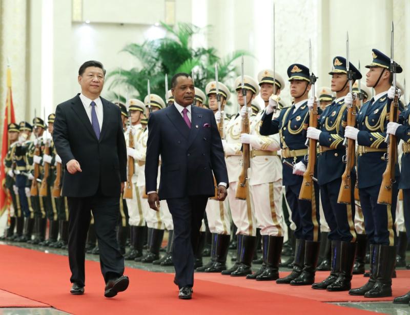 9月5日,国家主席习近平在北京人民大会堂同刚果共和国总统萨苏举行会谈。这是会谈前,习近平在人民大会堂北大厅为萨苏举行欢迎仪式。新华社记者 丁林 摄