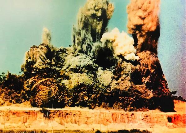 """1979年7月8日,蛇口轰然响起填海建港的开山炮,被誉为中国改革开放的""""第一炮"""""""