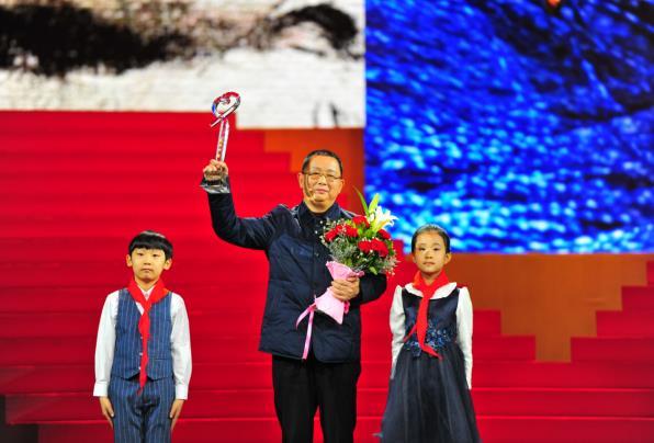 bob娱乐:《感动中国2018年度人物颁奖盛典》
