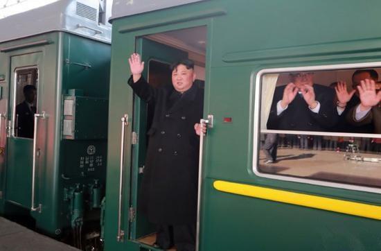 朝中社2月24日宣布动静称金正恩乘坐专列前去越南河内