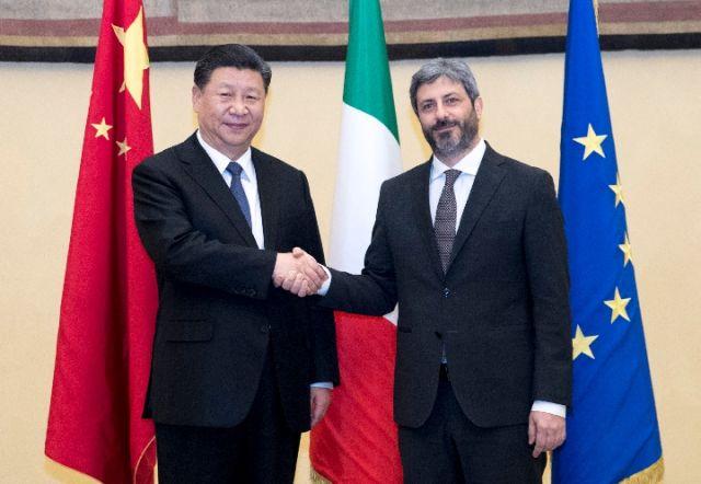 3月22日,国家主席习近平在罗马会见意大利众议长菲科。(新华社记者王晔摄)