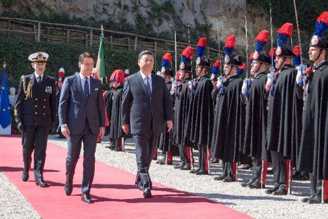 3月23日,国家主席习近平在罗马同意大利总理孔特会谈。(新华社记者兰红光摄)