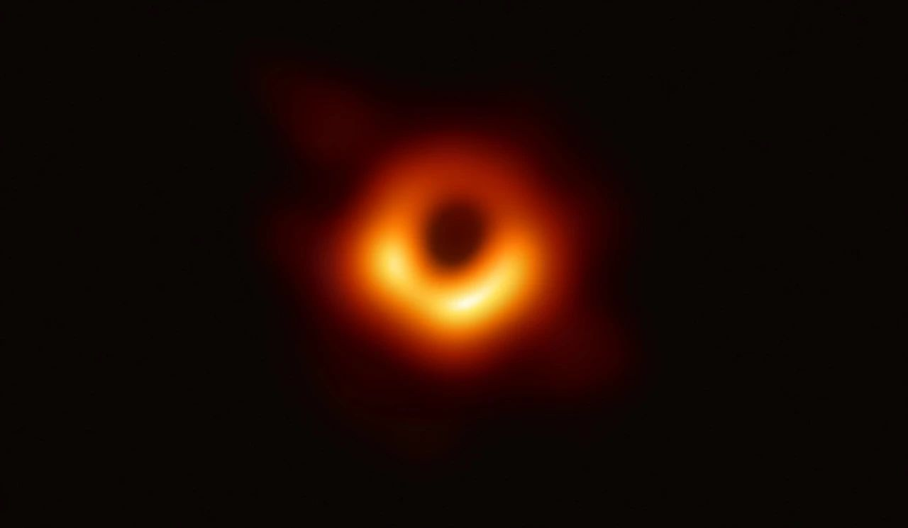图片来源:事件视界望远镜合作组织