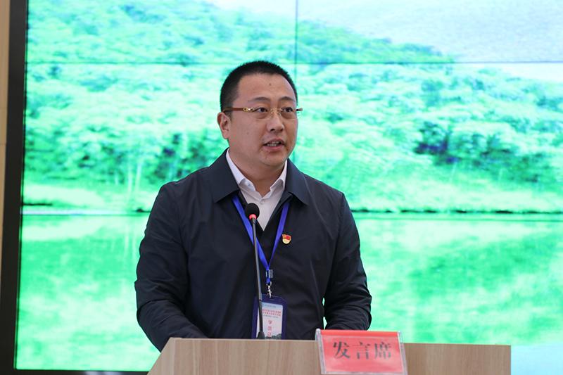 迟子光代表第五组学员发言