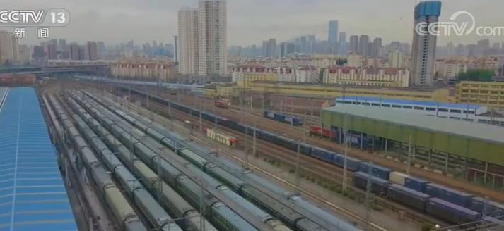 支南列车纷纷启程 缓解南方春运压力让旅客回家路更通畅