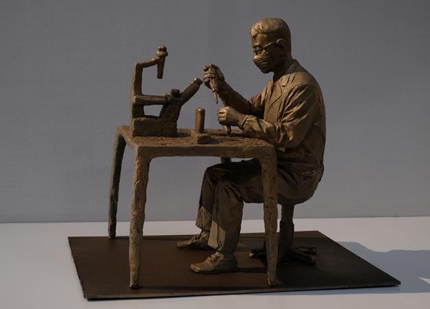 馮國豪 《砥礪者——只為那勝利的吶喊》 雕塑 2020年
