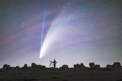 """新智彗星6000年回归一次 """"小透明""""突然闪耀夜空"""