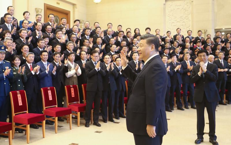 11月20日,黨和國家領導人習近平、王滬寧等在北京會見全國精神文明建設表彰大會代表。新華社記者 鞠鵬 攝