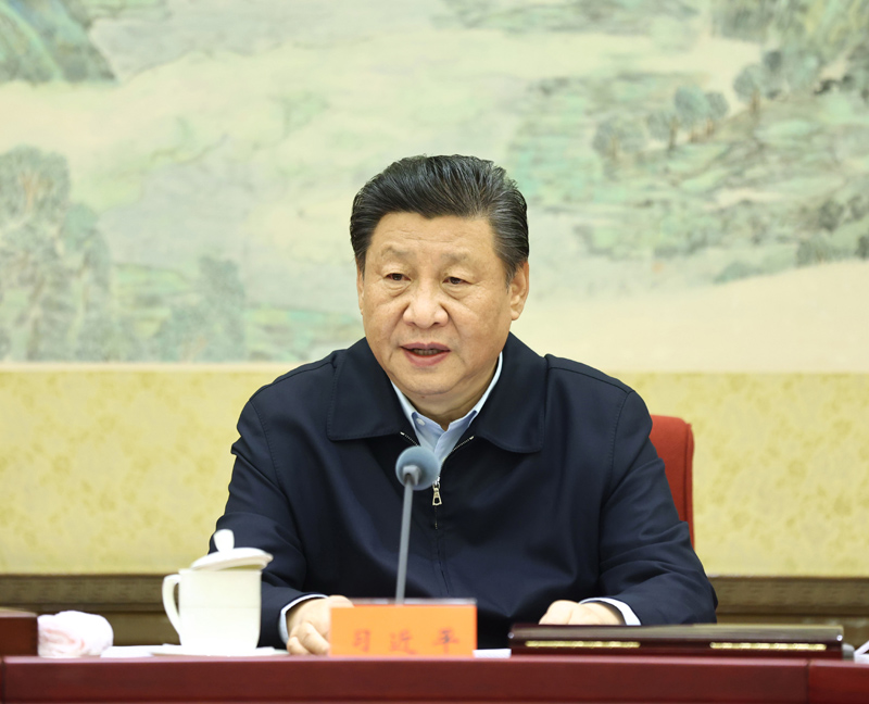 12月24日至25日,中共中央政治局召開民主生活會,中共中央總書記習近平主持會議并發表重要講話。新華社記者 鞠鵬 攝