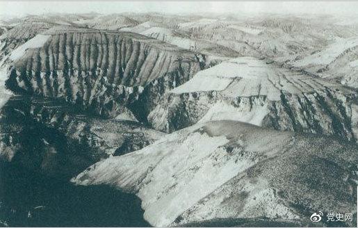 1947年4月14日,西北野戰兵團取得了羊馬河戰役的勝利。圖為羊馬河戰役戰場。