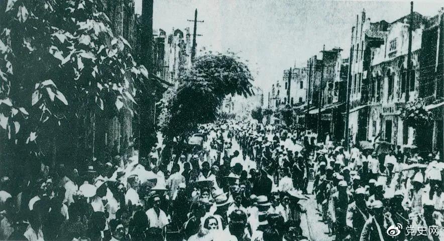1949年5月22日,第二野战军解放南昌。