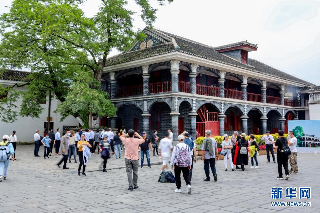 游客在遵義會議會址參觀(4月23日攝)。新華社記者 歐東衢 攝