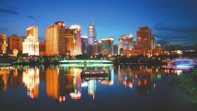 民歌湖夜景