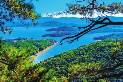 吉林松花湖风景名胜区位于吉林市