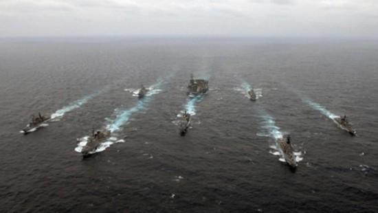 资料图:美国海军航母编队与日本战舰组成战斗群