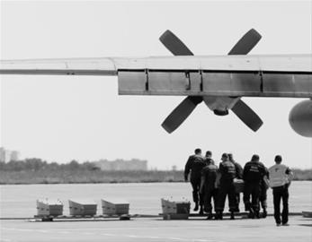 失事客机黑匣子交予荷兰据传马航资金链明年断裂