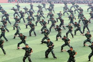 重点军训样的需要?(图)天津河西区学生高中图片