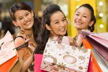 Chinese shoppers spend big overseas during holidays
