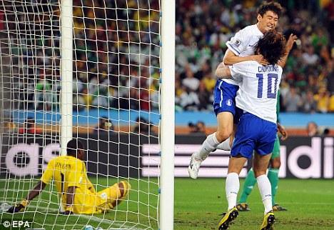 SouthKoreahasreachedthenextroundoftheWorldCup,byholdingNigeriatoa2-2drawintheirfinalgroupmatch.