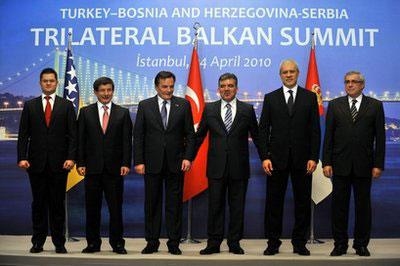 From left, Serbian Foreign Minister Vuk Jeremic, Turkey's Foreign Minister Ahmet Davutoglu, Chairman of Bosnia's Presidency Haris Silajdzic, Turkey's President Abdullah Gul, Sebia's President Boris Tadic and Bosnia's Foreign Minister Sven Alkalaj pose for a group photo during a meeting of the presidents of Bosnia, Turkey and Serbia in Istanbul, Turkey, Saturday, April 24, 2010. (AP Photo)