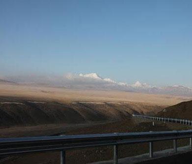 西藏雪域天路