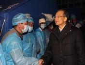 رئيس مجلس الدولة الصيني يصل الى يوشو المتضررة بالزلزال