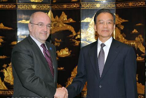 رئيس مجلس الدولة الصينى يجتمع مع مسؤولين ماليين من الاتحاد الأوروبى