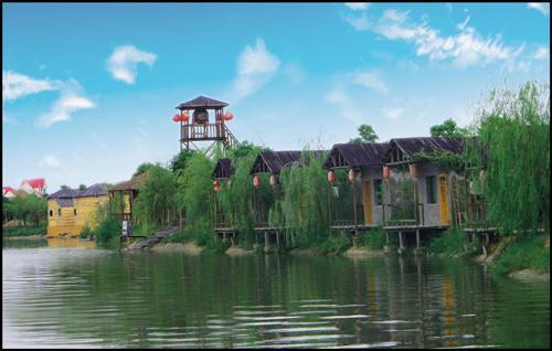临五湖鄱阳之近,拥有350亩自然生态园地,是一座乡村田园风情十分浓厚