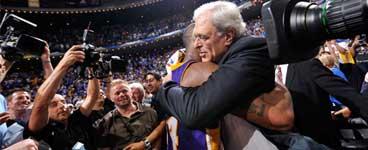 <center>禅师成为NBA夺冠最多的教练</center>