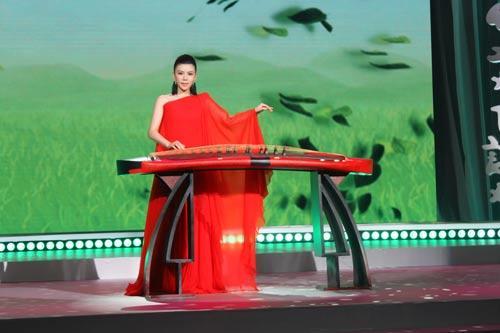 张晓棠献唱《风华国乐》全新演绎经典民歌
