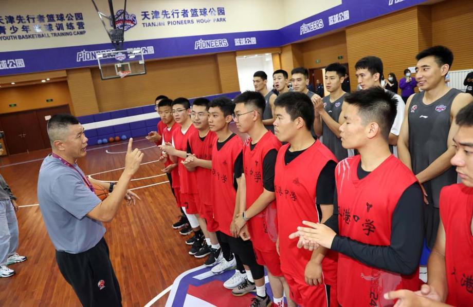 全力冲击新赛季季后赛资格   天津男篮踏上新征程