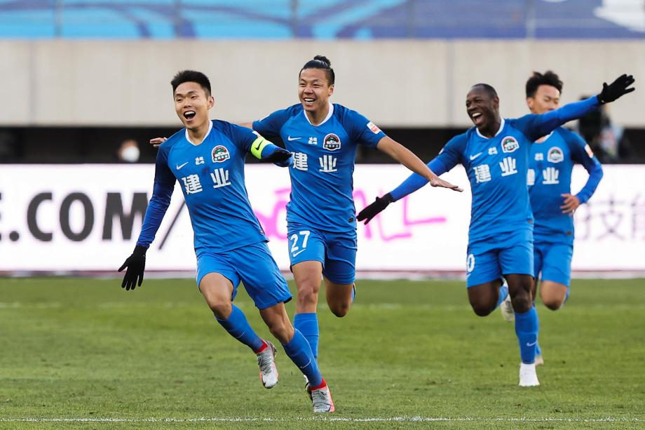 中超-王上源电梯球制胜 建业总分2-1卓尔保级