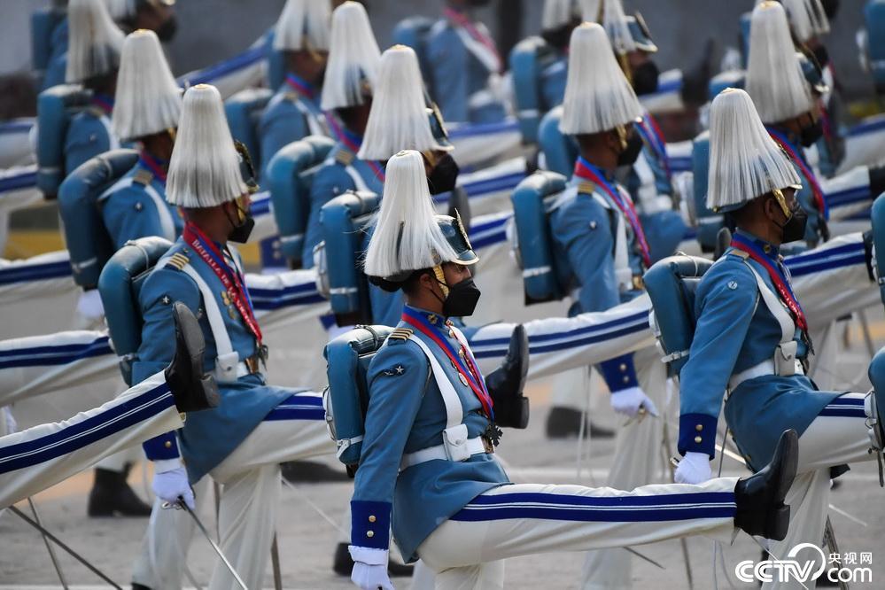 委内瑞拉举行阅兵仪式庆祝独立日插图(4)