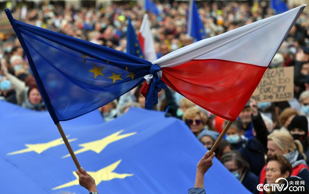 """波兰与欧盟司法权之争引发""""脱欧""""担忧"""