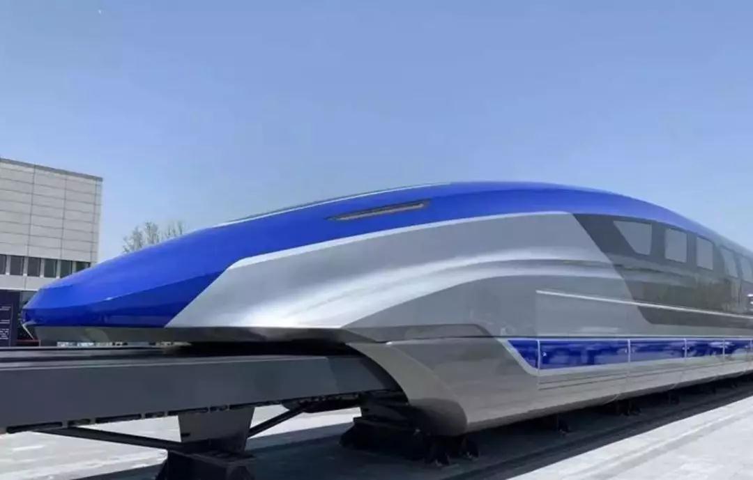 我国时速600公里高速磁浮试验样车在青岛下线 00:00:38