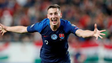 [图]欧洲杯预选赛 斯洛伐克2-1匈牙利惊险取胜