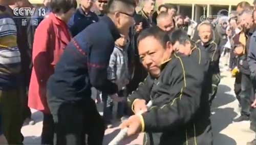 """欣赏美景体验民俗 """"五一""""各地乡村旅游人气旺"""