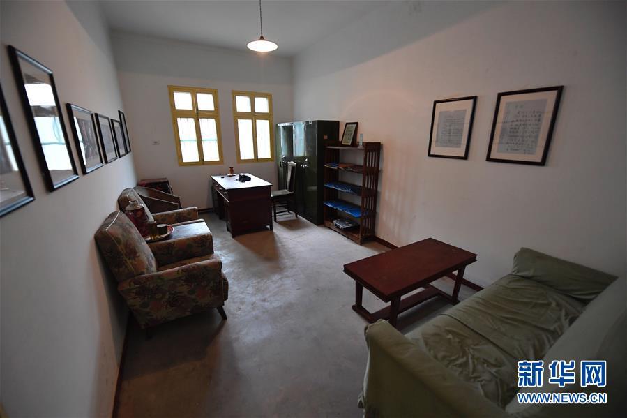 """这是中国""""两弹城""""内邓稼先旧居的书房(4月23日摄)。 新华社记者刘坤摄"""