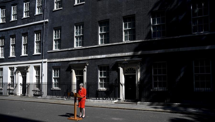5月24日,在英国伦敦唐宁街10号首相府,英国首相特雷莎·梅说,她将于6月7日辞去保守党领导人一职。