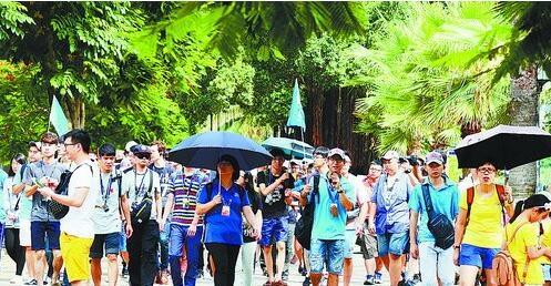 导游执业规范将有新规定。 刘东华 摄