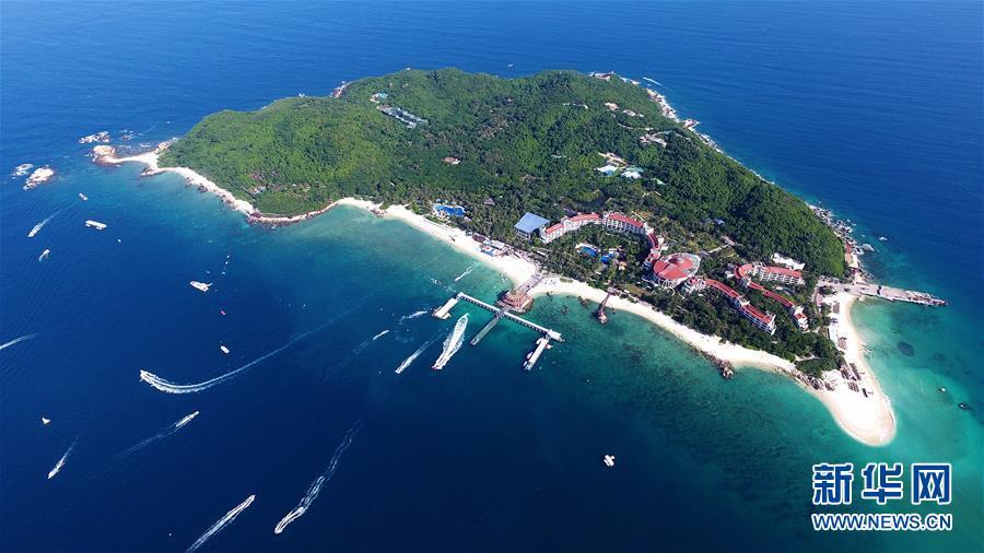 这是三亚蜈支洲岛景区(2018年8月4日无人机拍摄)。新华社记者郭程摄