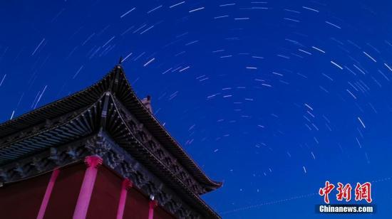 """流星雨和""""十六中秋月""""登陆九月夜空"""
