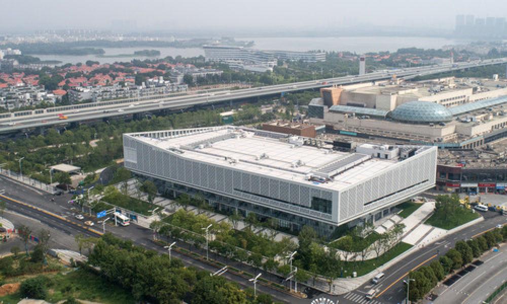 这是6月25日拍摄的军运会媒体中心(无人机拍摄)。新华社记者程敏摄