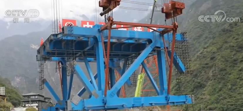 丽香铁路金沙江特大桥合龙 创多项纪录取得多个施工专利