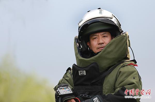 愿为初心付此生——记全国公安系统一级英雄模范、济南市公安局特警支队副支队长张保国