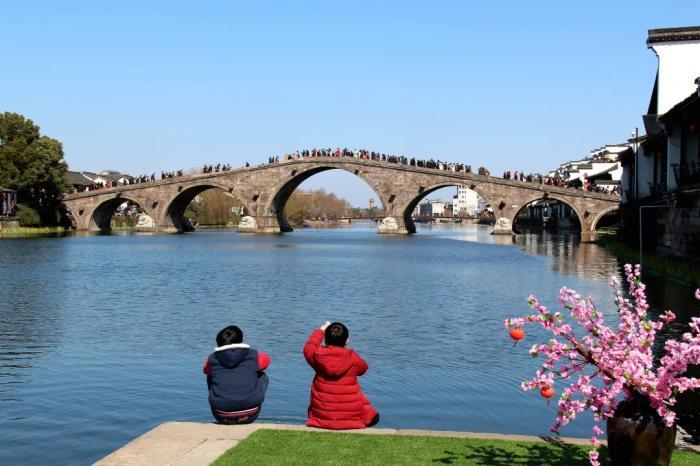 杭州塘栖广济桥,徐根柱 摄。运河综保委 供图