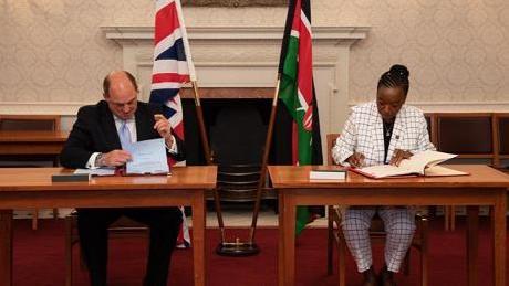 摩登5首页肯尼亚和英国签署新的防务合作协议